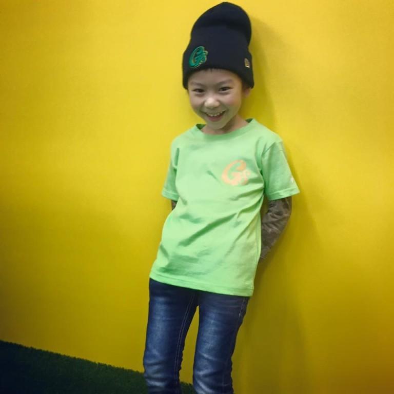ライムグリーンTシャツ